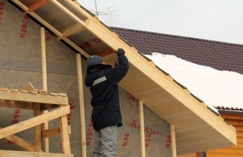 Как подшить односкатную крышу своими руками