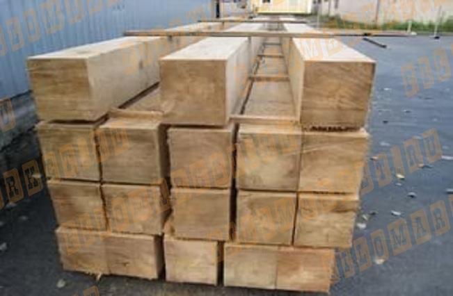 Брус обрезной 200х200 лиственница